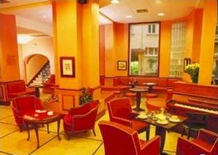 Salon Astoria Vatican hotel Lourdes