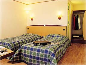 Chambre Hôtel Campanile Barbanniers Gennevilliers