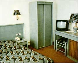 Chambre Hôtel des Arts Rueil Malmaison