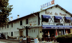 Façade Hôtel du Monge Lourdes