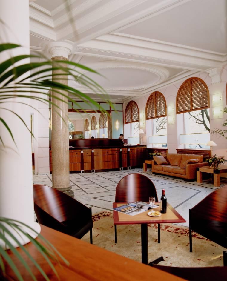Hall Hôtel de Normandie Bordeaux