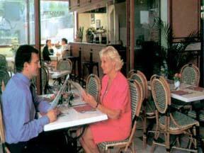 Petit déjeuner Hôtel Crocus Saint Cloud
