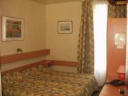 Chambre Hôtel Godefroy Puteaux