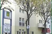 Façade Hôtel la Roseraie Fontenay aux Roses