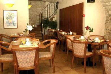 Salle petit déjeuner Hôtel Monceau Elysées Paris