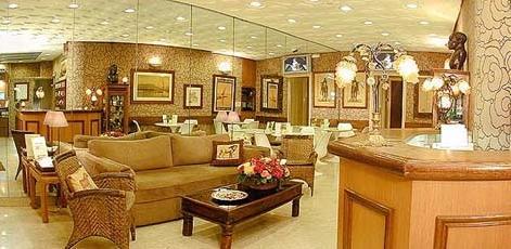 Hall accueil Hotel de Suez Paris