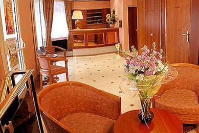 Réception Hôtel Monceau Elysées Paris