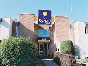 Façade Hôtel Restaurant Kyriad Colombes