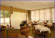 Petit déjeuner Hôtel Itinéraires Nanterre