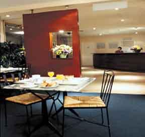 Petit déjeuner Hotel Jardins de Paris Boulogne