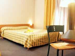 Chambre Hotel Jardins de Paris Boulogne