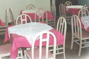 Salle de petit déjeuner Hotel Idéal Issy les Moulineaux