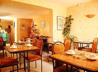 Salle petit déjeuner Hôtel la Perdrix Rouge Paris
