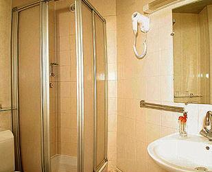 Salle de bain Hôtel la Perdrix Rouge Paris