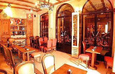 Salle petit déjeuner Hôtel Saint Séverin Paris