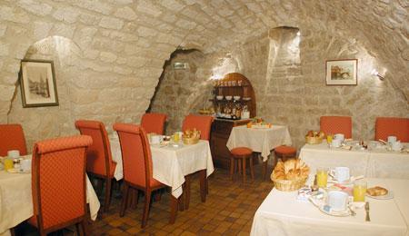Salle petit déjeuner Hôtel Delavigne Paris