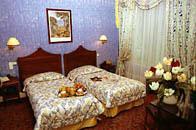 Chambre Hôtel des Deux Continents Paris