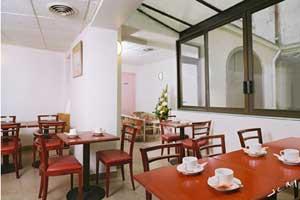 Salle petit déjeuner Hôtel Eugénie Paris