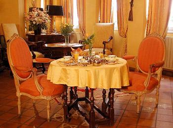 Salle petit déjeuner Hôtel Louis Deux Saint Germain