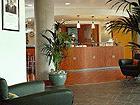 Réception Suitehotel Paris Porte de Montreuil