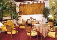 Salle petit déjeuner Hôtel Odéon Paris