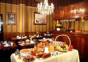 Salle petit déjeuner Hôtel Trianon Rive Gauche