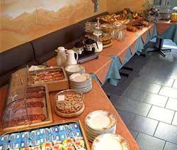 Petit déjeuner Hôtel Beausoleil Nice