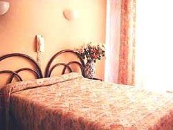 Réception Hôtel Helvétique Nice