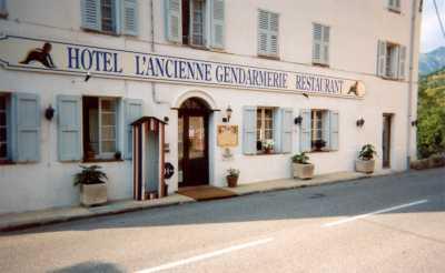 Façade Hôtel-Restaurant L'Ancienne Gendarmerie Lantosque