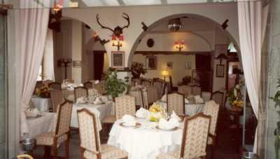 Salle hotel relais imperial St Vallier de Thiey