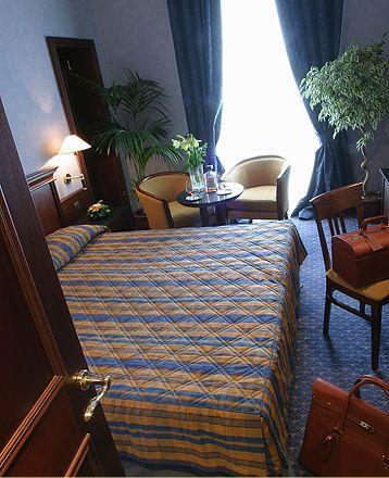 Façade Hôtel Magnan Nice