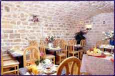 Salle petit déjeuner Hôtel de Nantes Paris