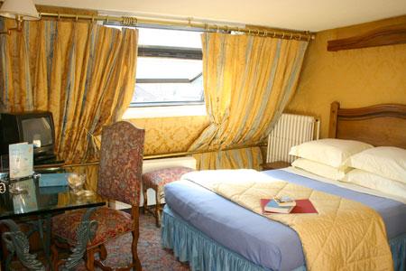 Chambre Hôtel des Marronniers Paris