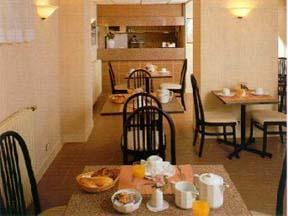 Salle petit déjeuner Hôtel Belgrand Paris