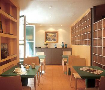 Salle petit déjeuner Hôtel des Canettes Paris