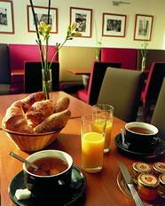 Salle petit déjeuner Hôtel Michelet Odéon Paris