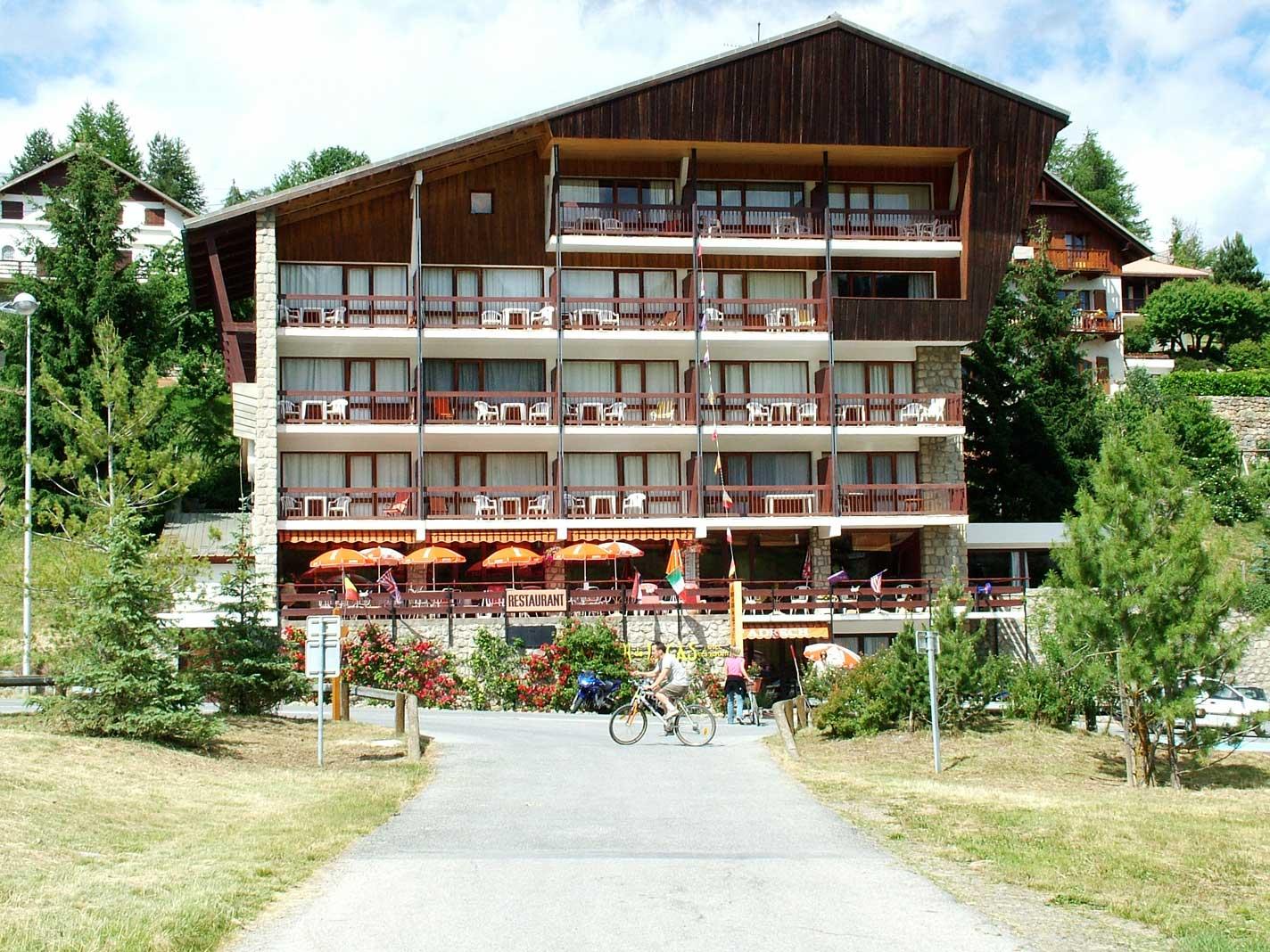 Façade Hôtel Adrech de Lagas Valberg
