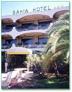 Façade Hôtel Bahia Villeneuve Loubet