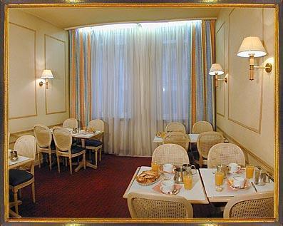Salle petit déjeuner Hôtel Montpensier