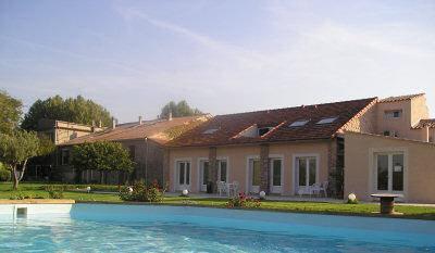 Piscine hôtel Déjeunez sous l'Arbre Rousset