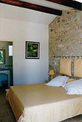 Chambre hôtel Déjeunez sous l'Arbre Rousset