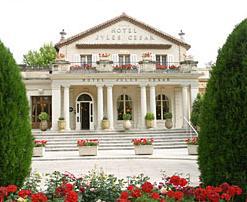 Façade Hôtel Jules César Arles