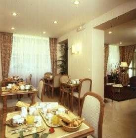 Salle petit déjeuner Hôtel Chomel Paris