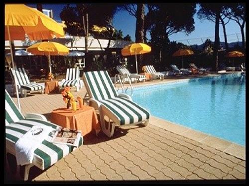 Hôtel du soleil - piscine