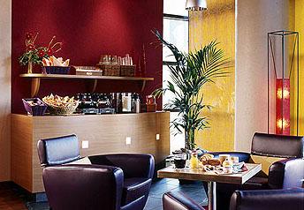Petit déjeuner Suitehotel Rueil Malmaison