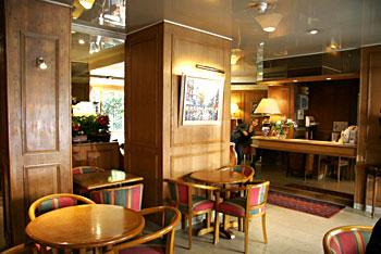 Réception Hotel Le Dauphin Puteaux