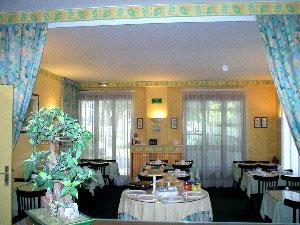 Salle de petit déjeuner Hôtel du Parc Aulnay sous Bois
