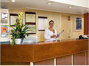 Réception Hôtel Patio Villepinte
