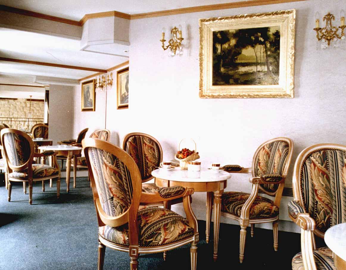 Salle petit déjeuner Hôtel Arc Elysees Paris