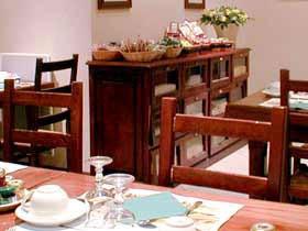 Salle de petit déjeuner Hôtel Vert Galant  Villepinte